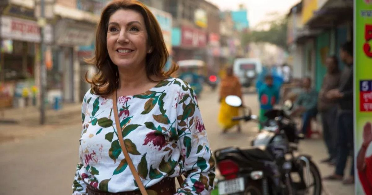 Jane McDonald slammed for condoning cruel elephant rides